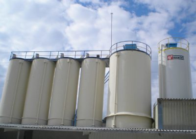 Raw materials silos for the ceramic industry