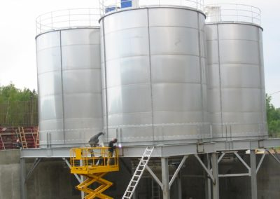 Stainless steel silos for food industry